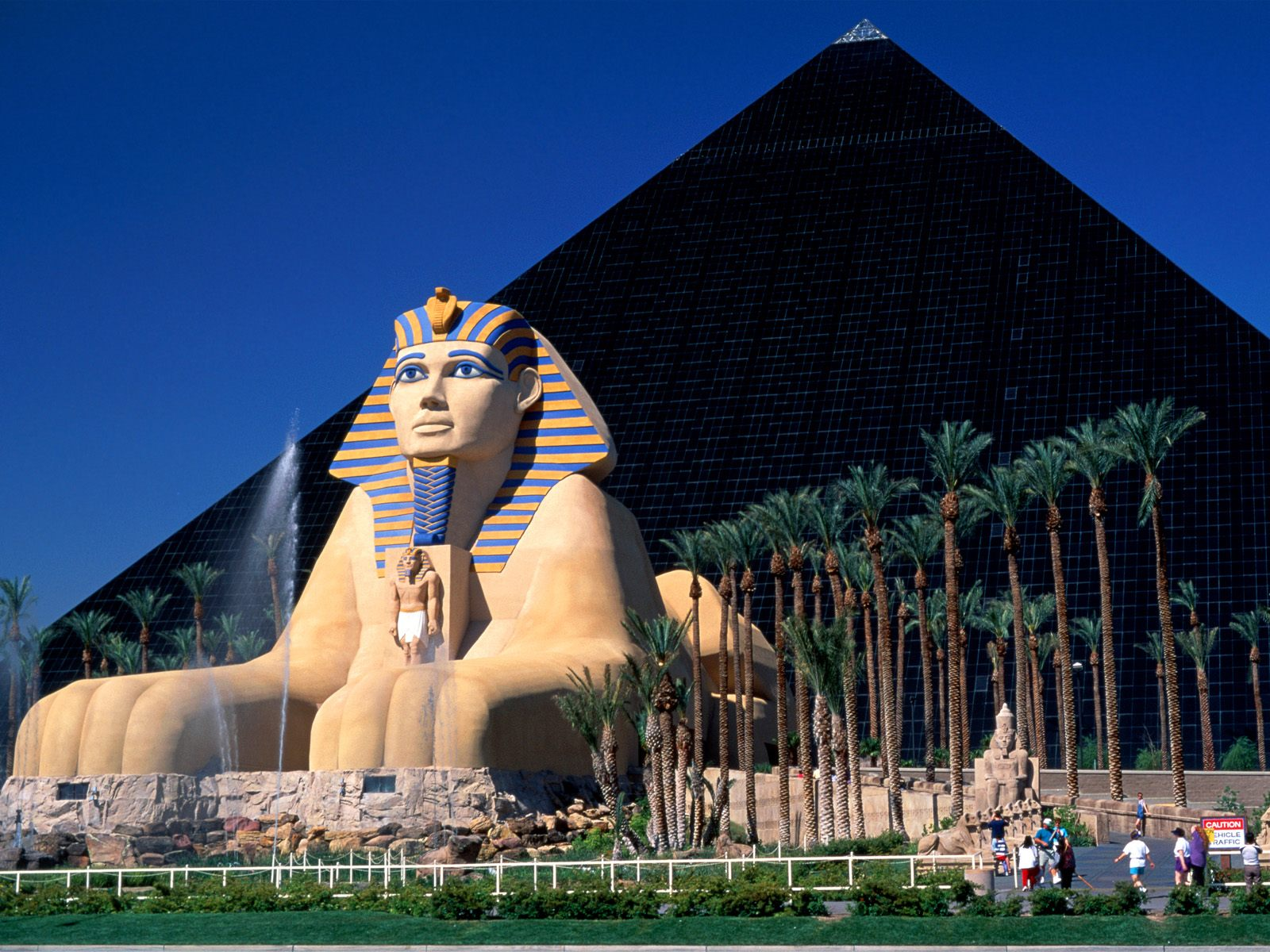 luxor_hotel_and_casino_las_vegas-normal