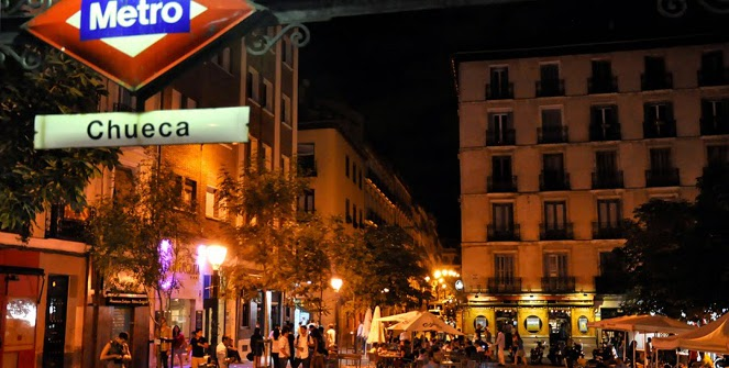 chueca at night